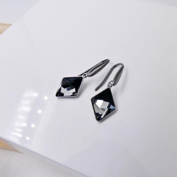 Sehrazat Earrings with crystals from Swarovski